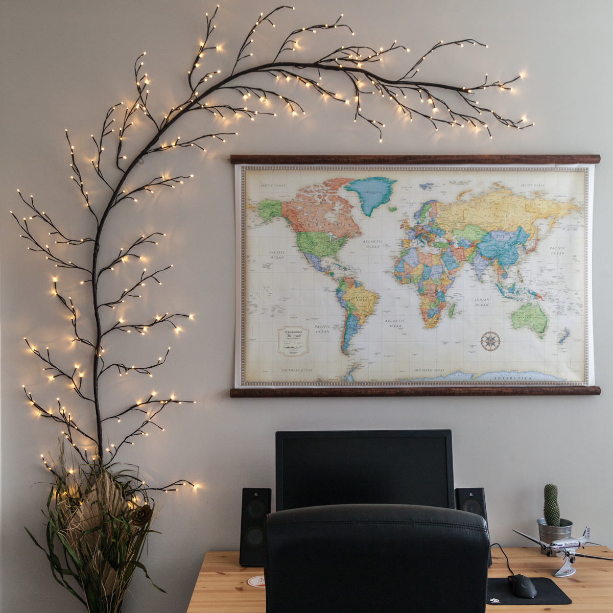 LED Climbing Vine Lighted Branches